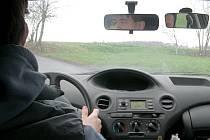 Nezodpovědnost a nesoustředěnost  řidičů jsou hlavními důvody vysoké nehodovosti dnešní doby.