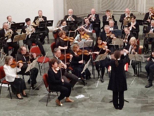 KLADENSKÝ SYMFONICKÝ ORCHESTR letos oslavil svou 112. koncertní sezonu.