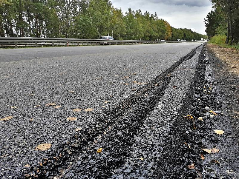 Na dálnici D6 na Kladensku se stále pracuje.