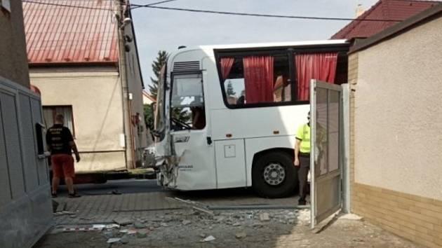 Na Kladensku bouraly tento týden hned dva autobusy.