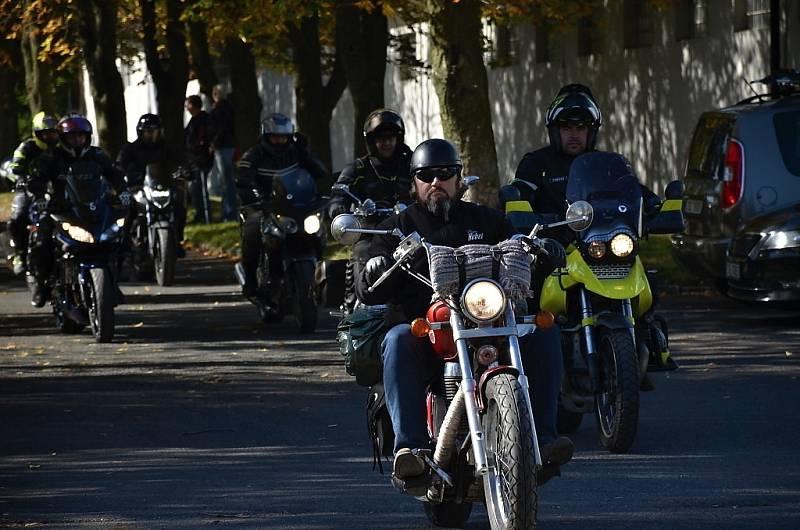 Poslední zahřátí výfuků uspořádali stochovští motorkáři.