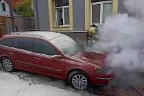 Požár automobilu v Kladně.