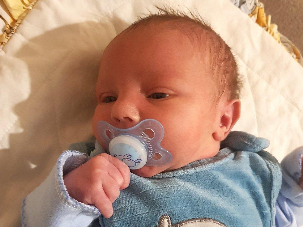 Jakub Kučera, Nová Studnice. Narodil se 23. listopadu 2020. Po porodu vážil 3,62 kg a měřil 49 cm. Rodiče jsou Dominika Hlaváčová a Martin Kučera. (porodnice Kladno)