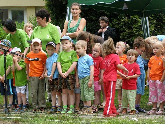 Dětský rehabilitační stacionář Zvonek v Kladně oslavil patnácté výročí.