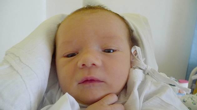 Štěpán Vršanský, Úhonice. Narodil se 21. května, váha 3,21 kg, míra 51 cm. Rodiče jsou Radana Válková a Jan Vršanský. (porodnice Slaný)