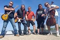 Skupina Anopheles na střeše radia Relax