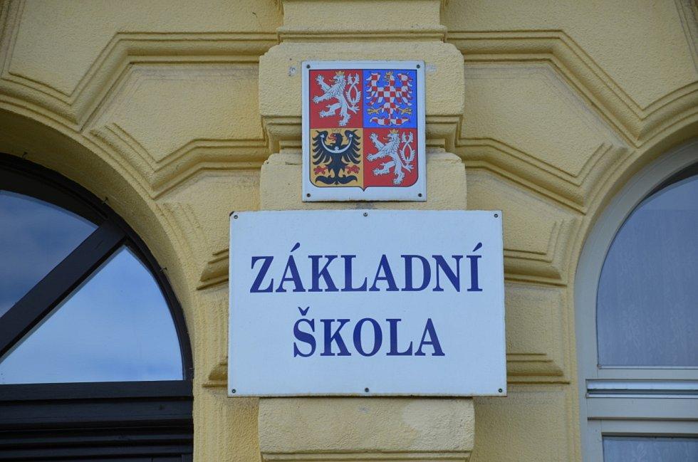 Základní škola Velvary.