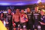 První galavečer MMAsters League® se odehrál v kladenském obchodním centru Oaza. Zápas Patrik Kincl - Martin Valenta byl vrcholem programu.