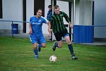 Fotbalisté z Kašperek (na archivním snímku hráč vpravo) vyzvou Malý Bor.