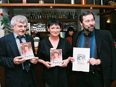 Autor knihy Sametová flétna Jiří Šmucler (vlevo)  pochází z Klatovska.