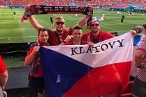 Tomáš György se svými přáteli v Budapešti na osmifinále ME Česko vs. Nizozemsko 2:0.