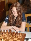Šachisté Šachklubu Sokol Klatovy vyhráli mládežnickou extraligu. Na fotografii je Lada Doležalová.
