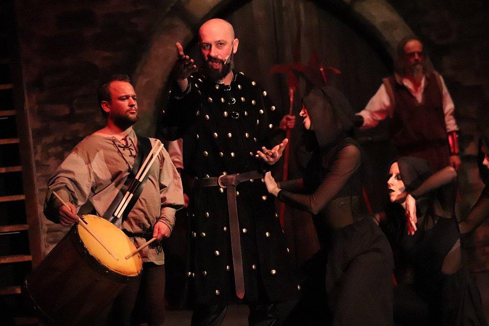 Rocková opera Kladivo na pýchu.