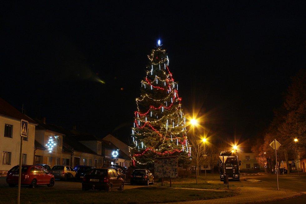 Vánoční strom ve Švihově.