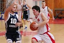 2. liga: BK Klatovy (bílé dresy) - BK Beroun 77:53