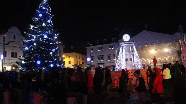 Rozsvícení vánočního stromu v Klatovech.