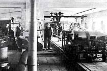 Interiér výrobní haly Singer v Klatovech. Foto: Vlastivědné muzeum Dr. Hostaše v Klatovech