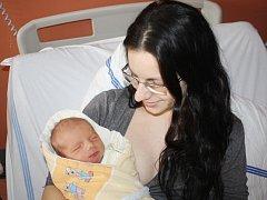 Filip Bálek z Hartmanic (3000 gramů, 49 cm) se narodil v klatovské porodnici 17. února ve 13.39 hodin. Rodiče Marie a Václav přivítali očekávaného prvorozeného synka na svět společně.