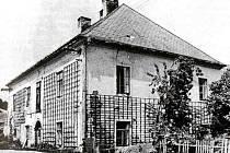 Dobový snímek zámku Hořejší Krušec
