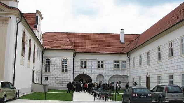 Slavnostní otevření zámku v Hrádku u Sušice