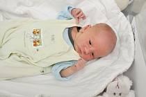 Teo Křešnička ze Strašína (3050 g) se narodil ve strakonické porodnici 3. května v 8.28 hodin. Na prvorozeného syna se těšili rodiče Nikola a Petr. Foto: Ivana Řandová