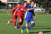 TJ Sokol Mochtín (červení) vs. FK Tachov 1:4.