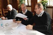Podpis smlouvy mezi HC Klatovy a HC Škoda Plzeň.