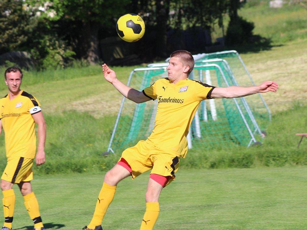 Fotbal, okresní přebor: Bolešiny (žlutí) - Sušice B