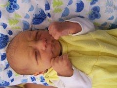 Matěj Halada z Klatov (3390 g, 53 cm) se narodil v klatovské porodnici 29. října v 10.33 hodin. Rodiče Veronika a Milan přivítali očekávaného prvorozeného syna společně na svět.