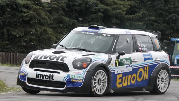 Jako první absolvovaly posádky 49. Rallye Šumava Klatovy tradiční Klatovský okruh.