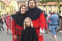 Mým velkým koníčkem a druhou rodinou je skupina historického šermu Rytíři Žichovice.