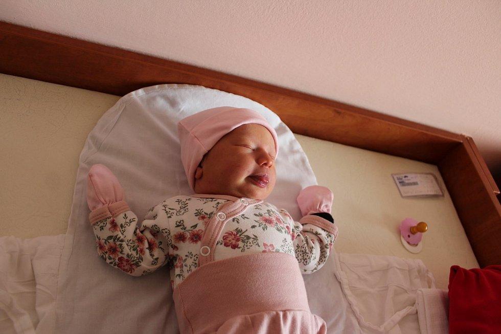 Adéla Zajíčková (3600 g, 53 cm) se narodila 30. května v11:27 ve Fakultní nemocnici vPlzni. Zpříchodu na svět své prvorozené holčičky se radují rodiče Šárka a Tomáš z Kostelce u Stříbra.