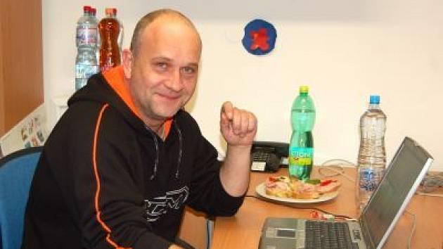 Trenér hokejistů SHC Maso Brejcha Klatovy Pavel Čuban při on-line rozhovoru v redakci Klatovského deníku