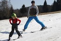 Poslední lyžování ve ski areálu v Kašperských Horách