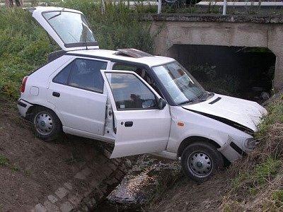 Při nedělní dopravní nehodě u Borov bylo zraněno pět lidí