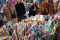 Velikonoční zboží zaplavilo trhy a obchody