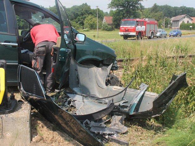 Dopravní nehoda na železničním přejezdu v Bezděkově.
