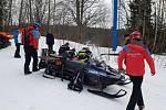 Jedenáctiletý lyžař narazil na Šumavě do sloupu lanovky.