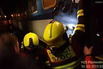 Z vlaku museli evakuovat 150 cestujících.