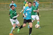 Okresní derby v KPM, 19. kolo - sezona 15/16: Svéradice (v zeleném) vs. Sušice (modré dresy).