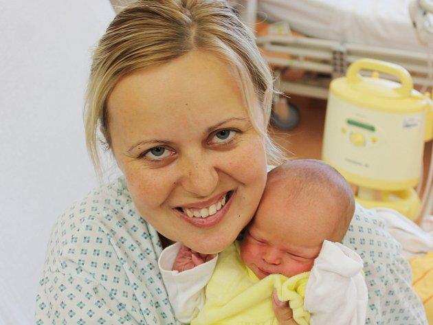Veronika Šosová z Přeštic (2490 g, 47 cm) se narodila v klatovské porodnici 29. září v 11.32 hodin. Z narození dcery mají radost rodiče Lucie a Miroslav.
