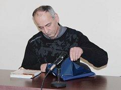 Petr Turhobr u klatovského soudu.
