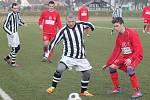 Zimní turnaj v Sušici: Klatovy (v červeném) - Nýrsko 5:0.
