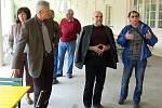 Komise při prohlídce Kolonády v klatovském parku