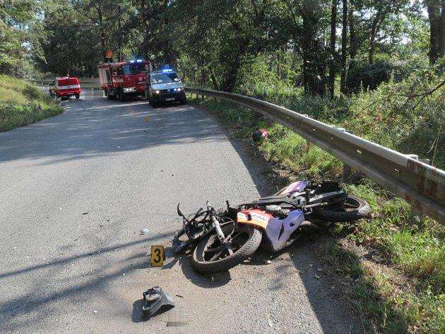 Nehoda motorkáře u Svrčovce.