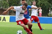 Jakub Szedmák (na snímku v popředí ještě v dresu Klatov) působil v posledních letech v divizních klubech, ale od nové sezony se přesunul do Křimic, které vévodí I. B třídě.
