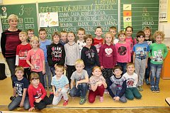 Žáci třídy 1. A ze ZŠ Švihov s třídní učitelkou Magdalenou Suchou.