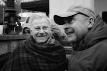 Natáčení fllmu Nabarvené ptáče s Harvey Keitelem a Julianem Sandsem.