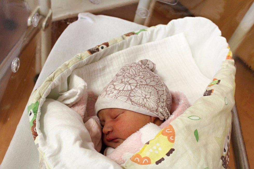 Eliška Koutníková zOprechtic se narodila vklatovské porodnici 24. července ve 22:38 hodin (2660 g, 48 cm). Pohlaví svého prvorozeného miminka věděli rodiče Jana a Jakub dopředu.