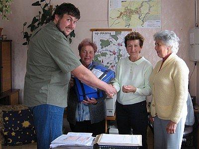 Starosta Dolan Václav zeman a členky skupiny ČČK.